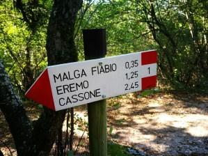 Gut ausgeschildert sind die Wege unterhalb des Monte Baldo Massivs am Gardasee