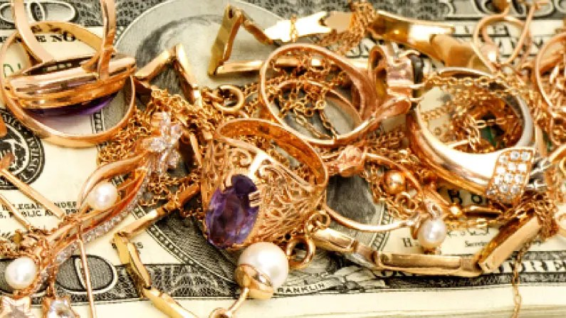 Why You Should Sell Your Unwanted or Unused Gold Jewelry