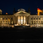 Berlin: Reichstag bei Nacht