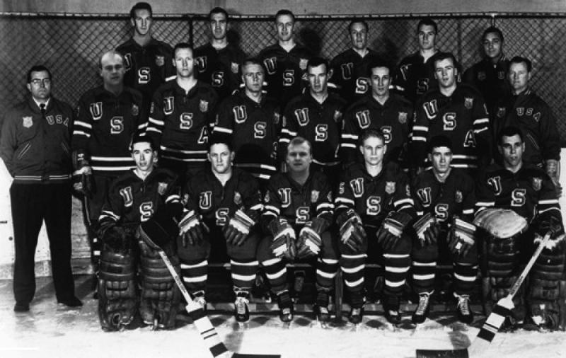 photos-historiques-1960-equipe-hockey