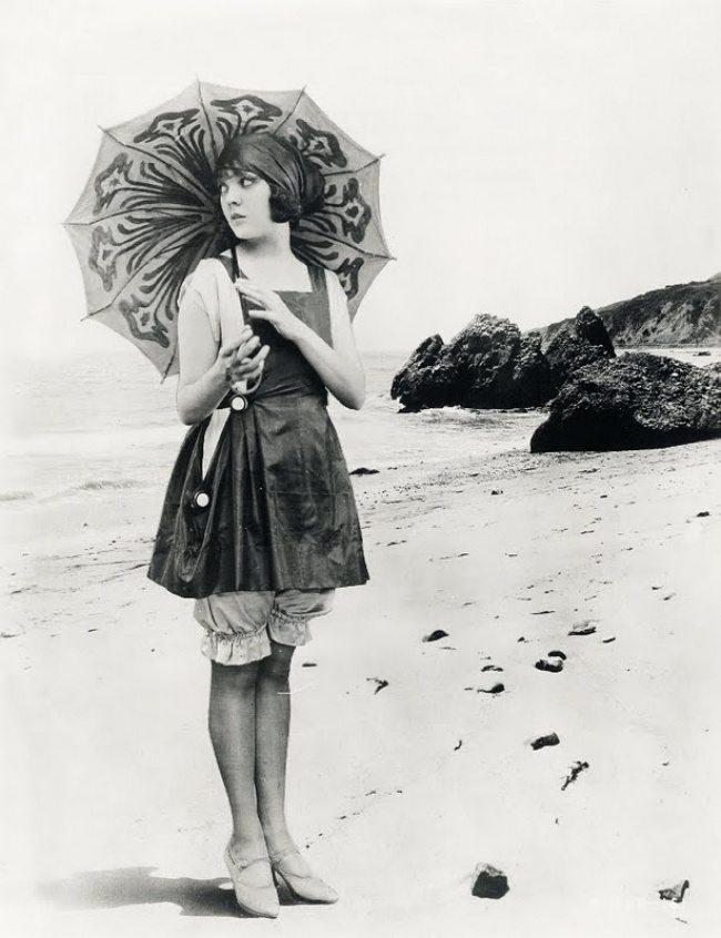 9-photos-anciennes-de-femmes-lila-lee-maillot-de-bain