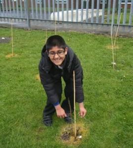 tree planting kids 1