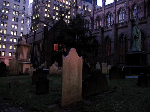 trinitychurchgraveyard.jpg