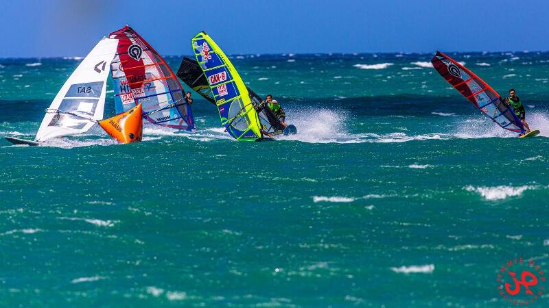 19 US Slalom Windsurf Nationals on Maui   PHILIP SOLTYSIAK