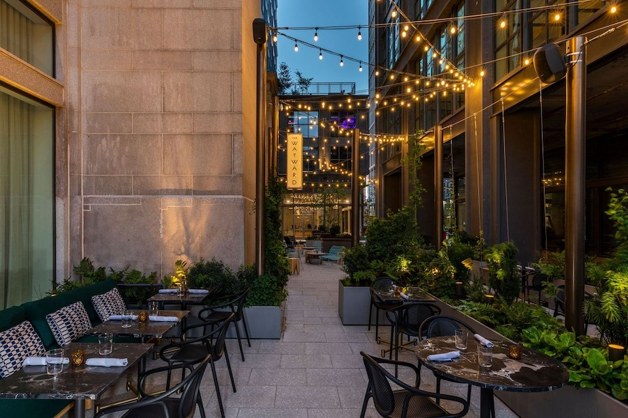 outdoor seating and drinking in philly