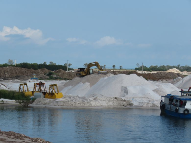 Silica sand dredging activity spotted earlier this year in Sihanoukville.