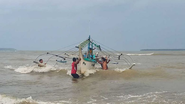 Thousands Flee As Kammuri Churns Towards Philippines