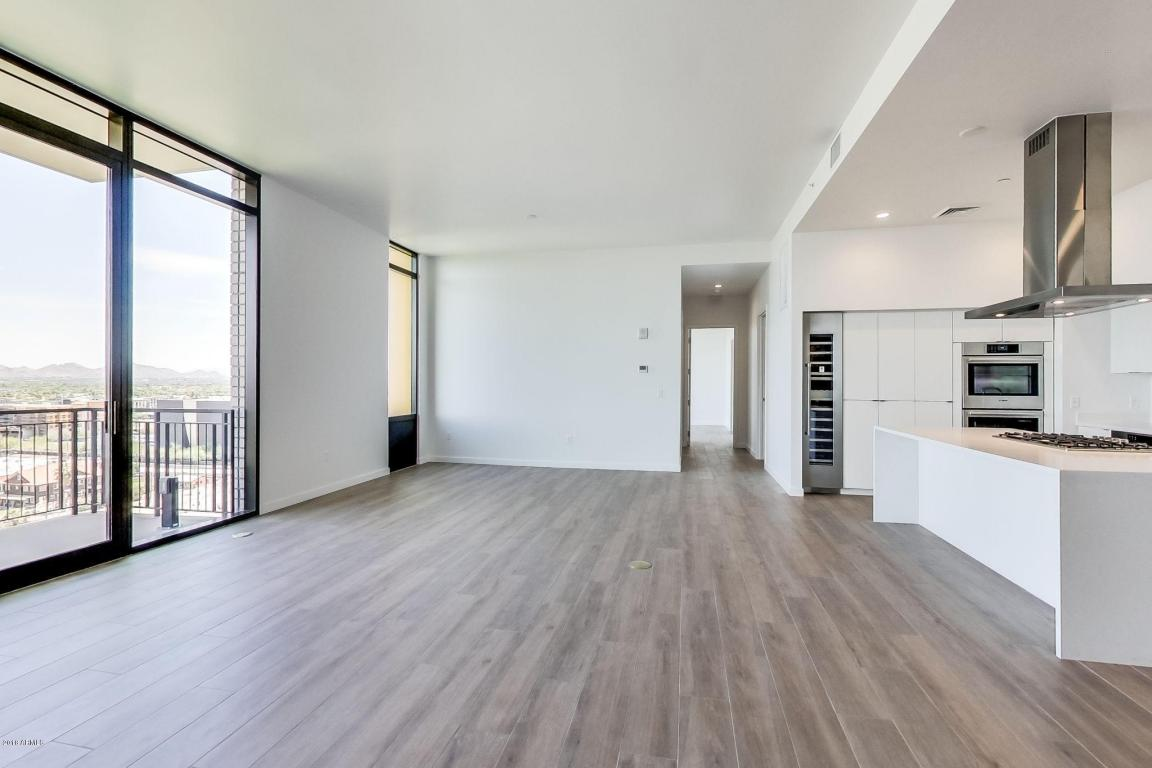 1320 Living Area