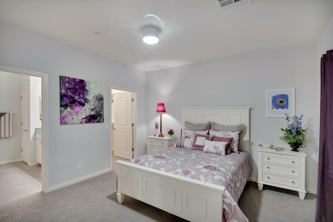 Che Bella Bedroom 1
