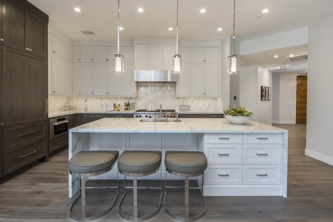 Kitchen B4004