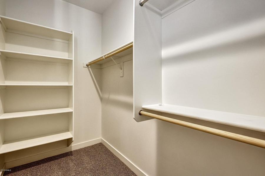Hillstone – large closet