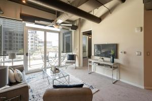 1-e-lexington-avenue-311-phoenix-arizona-85012