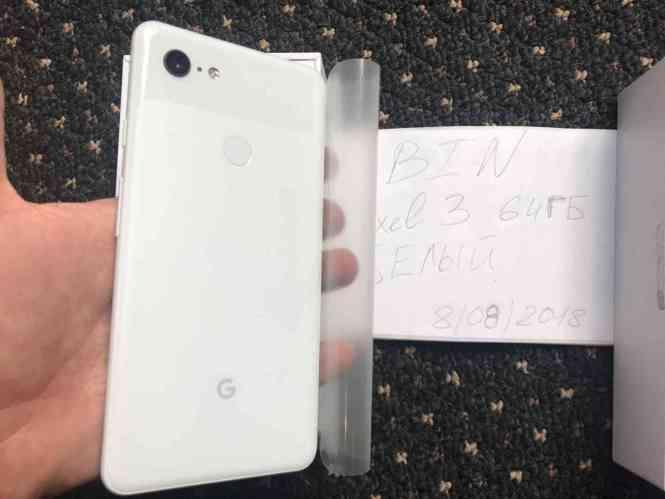 Google Pixel 3 XL rear photo leak