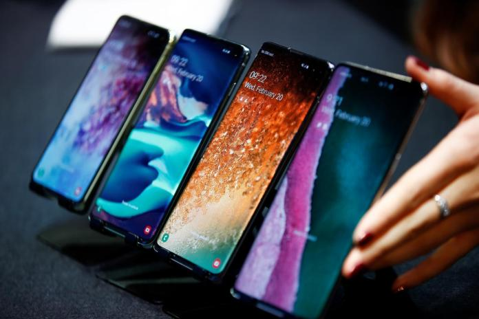 iPhone Killer?: Is Samsung's Galaxy Fold Smartphone the Future?