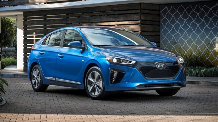 Edmunds' top-rated electric cars for 2018