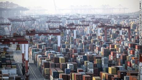 China's economy grows 2.3% in 2020 as recovery quickens