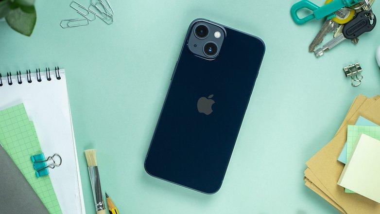 NextPit Apple iPhone 13 back
