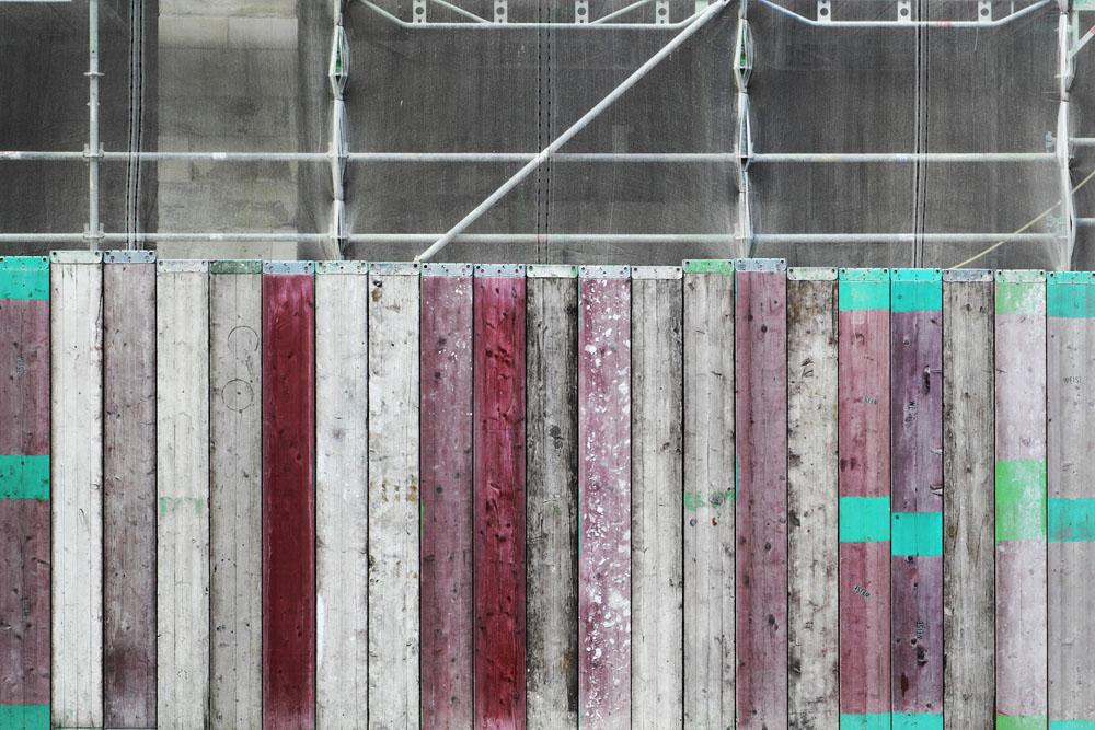 Ben Gowertt temporary still life 23, art, ben gowert, urban, fence; zaun, photography, minimalism, abstract, lost places, fotografie, temporary still lifes, textur, structure, artwork