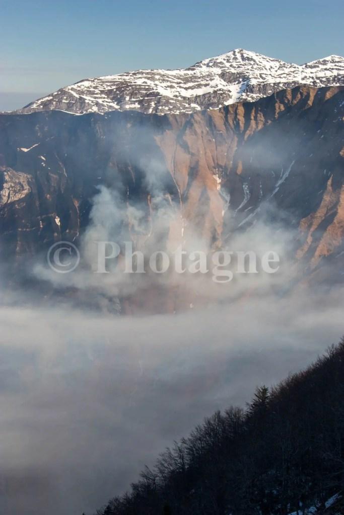 Ce qu'il reste de la montagne derrière le pic de Chebretou après l'incendie...