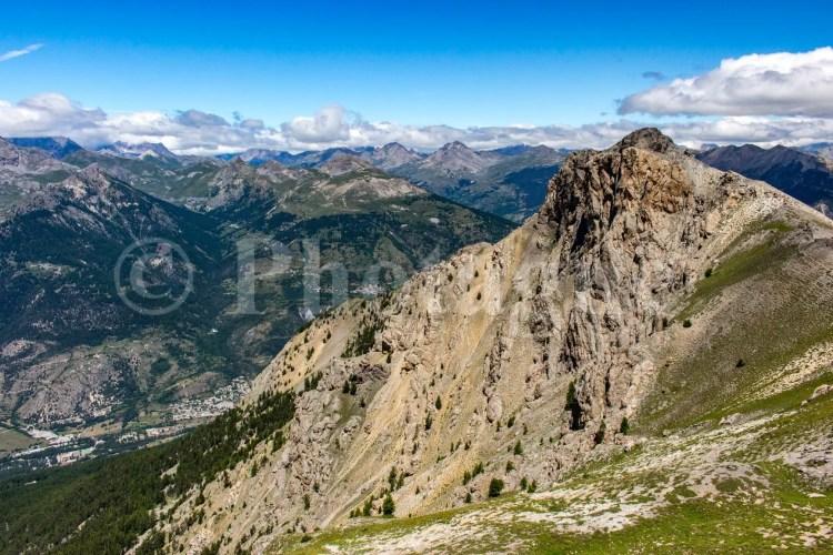 Le pic de Roche Motte au-dessus de la vallée de Briançon