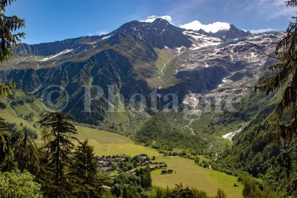 Le village du Tour, son glacier et sa moraine