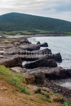 Les falaises de posidonie dans la baie de Macinaggio, dans le Cap Corse en bivouac