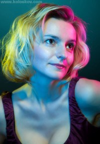 Portrait photography lighting: when ONE color is not enough