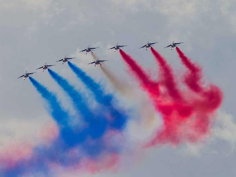 la Patrouille de France est la Patrouille officielle de l'armée de l'air française. ©photo Patrick Clermont