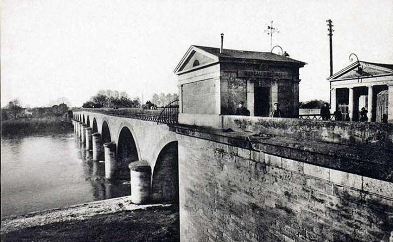 Agen-Pont de Pierre à péage