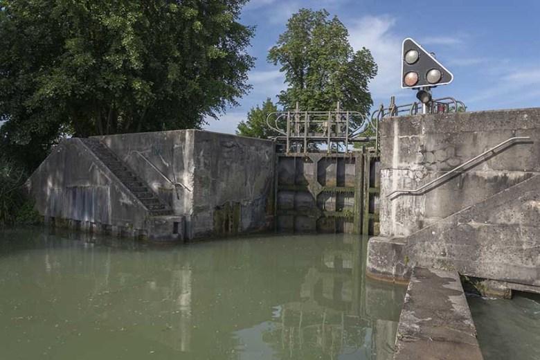 canal Latéral de la Garonne Ecluse au passage d'Agen en 2015