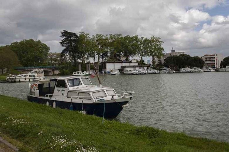 port d'Agen sur le canal