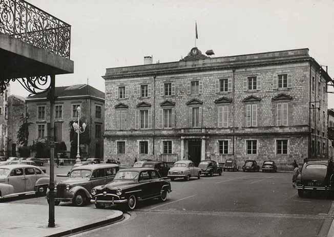 La Mairie d'Agen en 1950