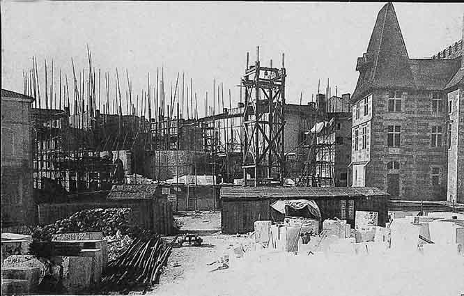 Début de la construction du nouveau Théâtre Ducourneau