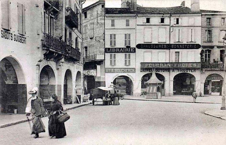 La Place des laitiers à Agen en 1910