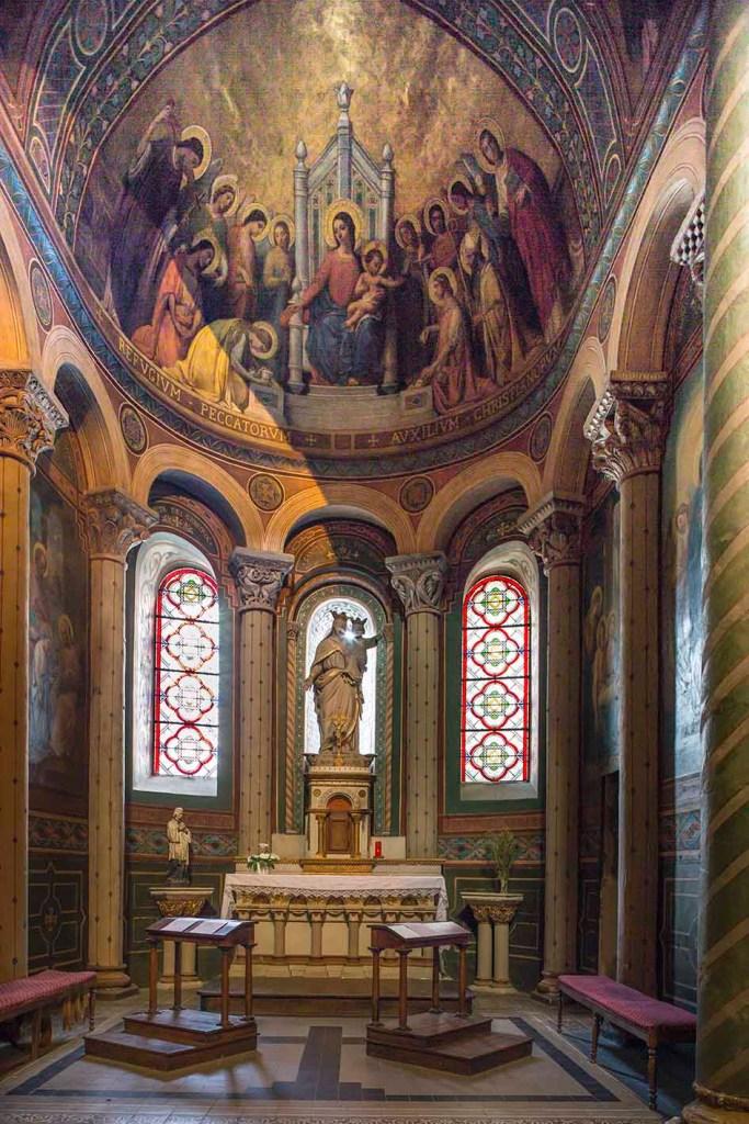 Cathédrale Saint-Caprais. Chapelle de la Sainte Vierge
