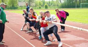 Tug-of-war-competition