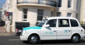 london cab brighton taxi panning car