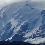 L'effet bleuté du voile atmosphérique sur une photo de paysage prise au téléobjectif