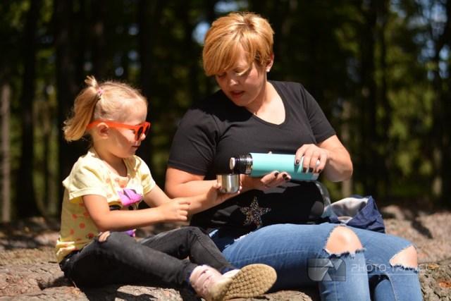 Współpraca ze sklepem dla dzieci Fabryka Wafelków. Dzieci w podróży w Góry Sowie w Sudetach na Przełęczy Jugowskiej, Wielkiej Sowie i na wieży widokowej naKalenicy