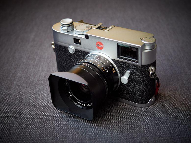 Leica M10 vorn schräg