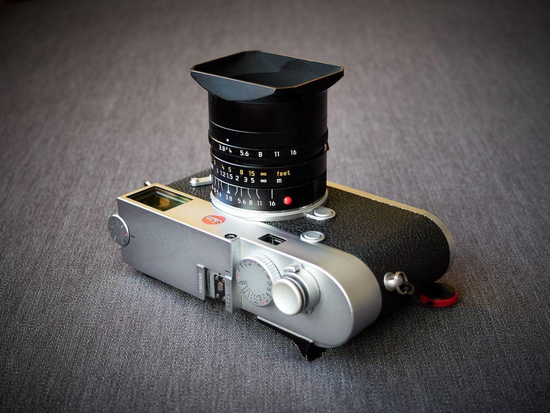 Leica M10 liegend