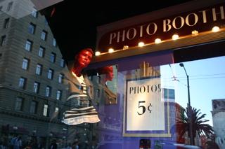 saks_photobooth_3.jpg