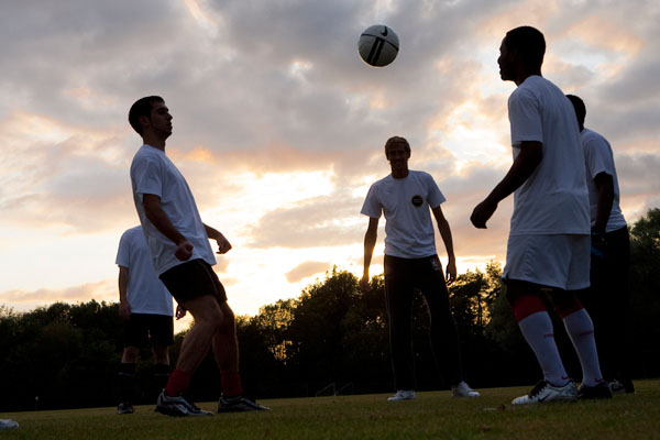 Peter Crouch training with the Sony Twilight team 3-sml
