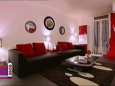 salon gris blanc rouge
