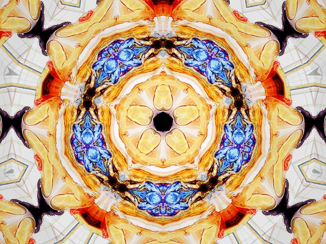 PhotoEchoes - Animated kaleidoscope with your photos. will produce awesome images. Video rec. (Software)