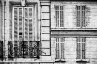 Balkon und Fenster (sw) - PHOTOGALERIE WIESBADEN - im süden - fenster und türen