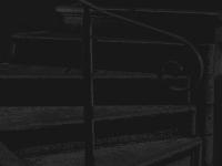 stufen mit geländer - PHOTOGALERIE WIESBADEN - dunkel-schwarz