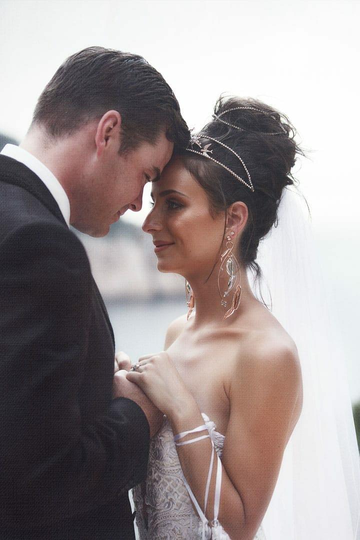 imagen de un retrato de pareja despues de la ceremonia en el hotel na xamena de ibiza