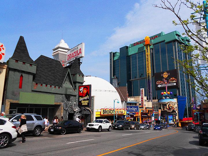 street Niagara falls ON Canada