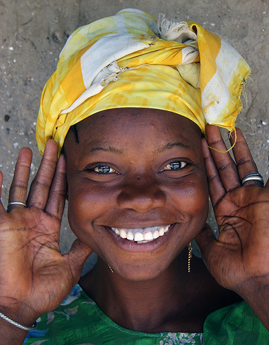 A gambian smile by Ferdinand Reus